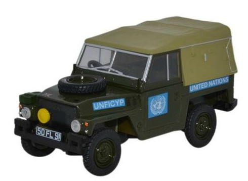 43LRL001 OXFORD OXFORD 1/43 LAND ROVER series III 1/2 Ton Lightweight United Nations 1972