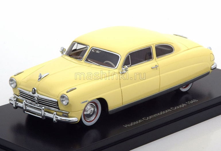 NEO44646 14+ NEO NEO 1/43 HUDSON Commodore Coupe 1948 light beige