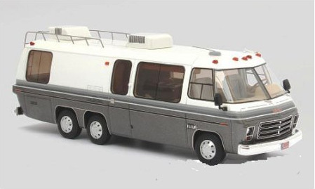 NEO46315 NEO NEO 1/43 GMC Motorhome (кемпер) 1976 White/Metallic Grey