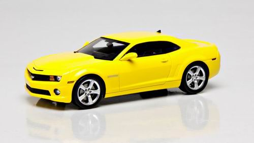 101461 LUXURY COLLECTIBLES CHEVROLET CAMARO 2SS COUPE 2011 (rally yellow)