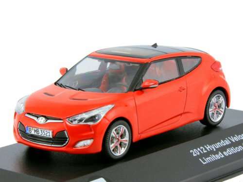 43036 TRIPLE 9 COLLECTION HYUNDAI Veloster 2013 Red with black