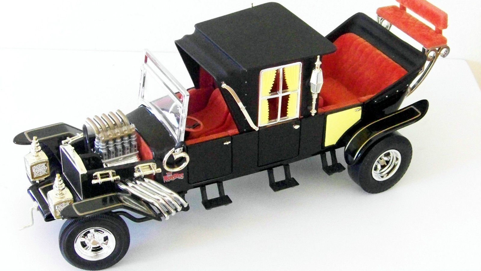 AMM951 ERTL The Munsters The Munster Koach