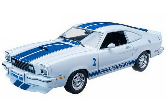 GL12880 GREENLIGHT FORD Mustang Cobra ''Charlie's Angels'' (из к/ф ''Ангелы Чарли'') 1976 Blue/White