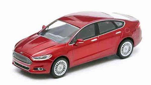 GL86035 GREENLIGHT Ford Mondeo (Fusion) 2014 Ruby Metallic